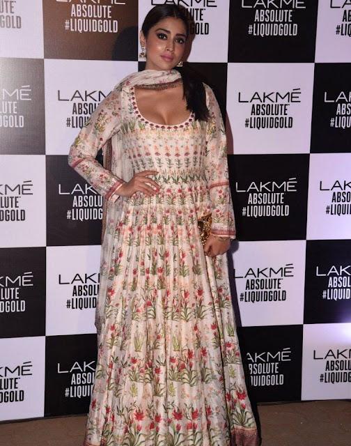 Glamorous Actress Shriya Saran at Lakme Fashion Week Summer Resort Actress Trend