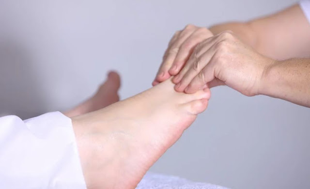 what is a podiatrist foot doctor ankle pain specialist