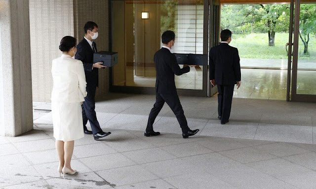 Emperor Naruhito, Empress Masako and their daughter, Princess Aiko moved to their new residence in the Imperial Palace. Crown Princess Kiko