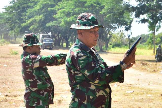 Di Ujung Pengabdiannya Sebagai Prajurit TNI, Lettu Inf Erwan Masih Mahir Menembak