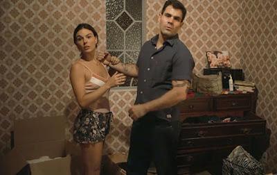Magno promete ajudar Betina — Foto: TV Globo