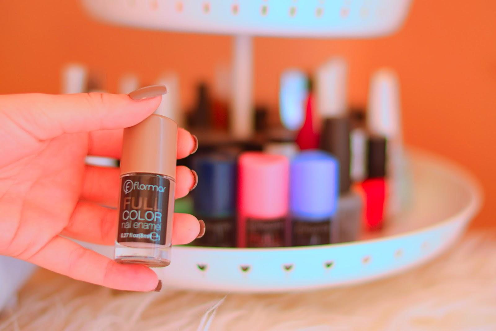 nery hdez, flormar, full color, nail enamel, pintarse las uñas