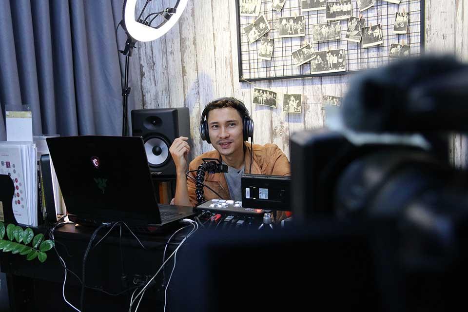 Adam Muzic dạy nhạc Online toàn diện, học nhạc Online toàn diện
