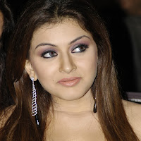 Hansika motwani at a award function