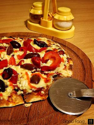 Pizza pe lipie