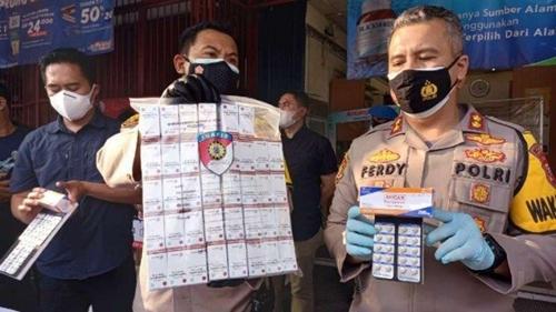 Jual Obat di Atas HET, Pengelola 3 Apotek di Bogor Jadi Tersangka