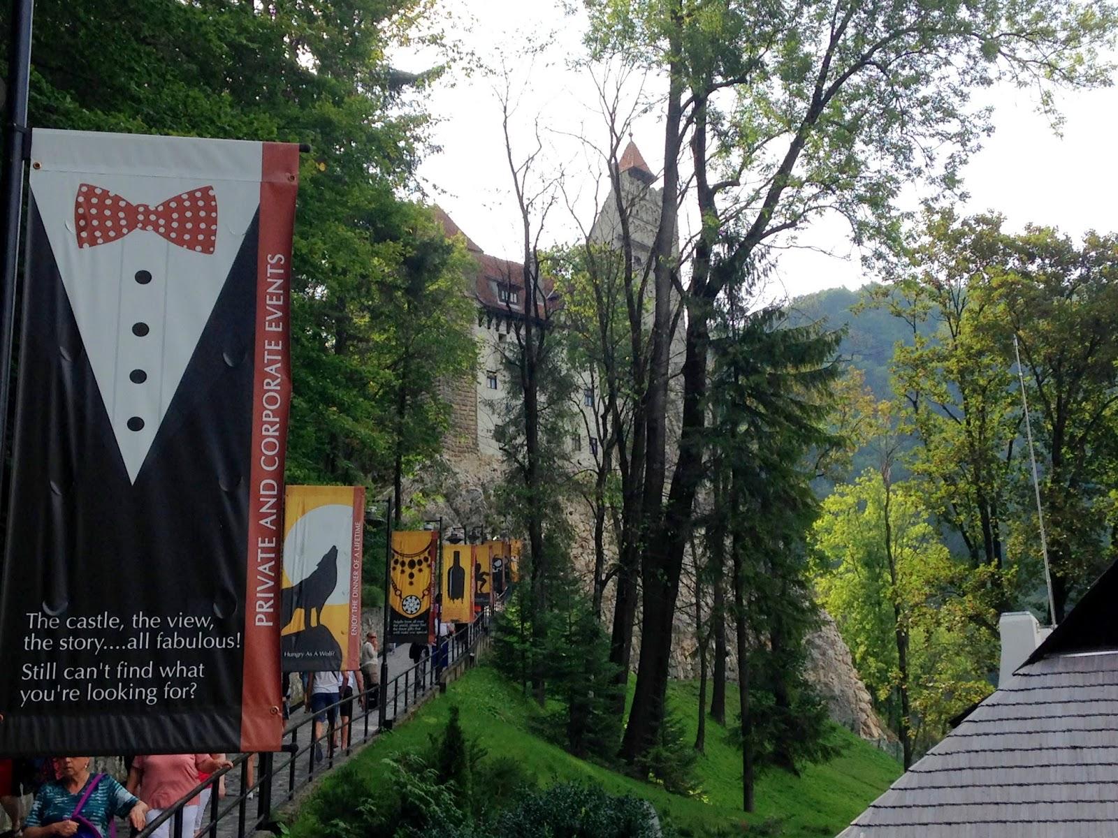 Turystyczna część miasteczka Draculi