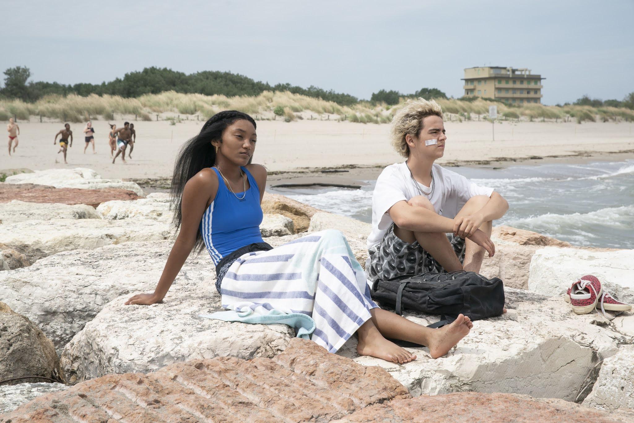 Jack Dylan Grazer y Jordan Kristine Seamon en una escena de 'We are who we are' la nueva serie de HBO