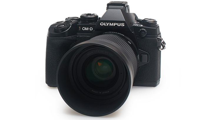Объектив Sigma 30mm f/1.4 DC DN и фотоаппарат Olympus OM-D