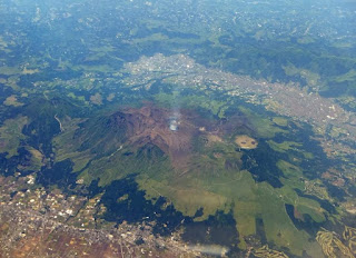 Peligroso volcan de japon puede entrar en erupcion.