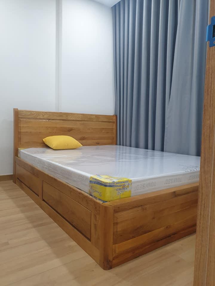 Giường ngủ căn hộ Làng Đại học
