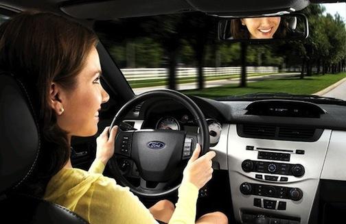 Tips Belajar Mobil dengan Aman Bagi Pemula