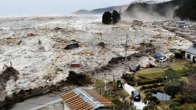 Ngeri, Inilah 7 Bencana Alam Paling Mematikan di Dunia Sepanjang Sejarah, tsunami, gempa, angin topan