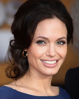 angelina jolie wedding dress photo