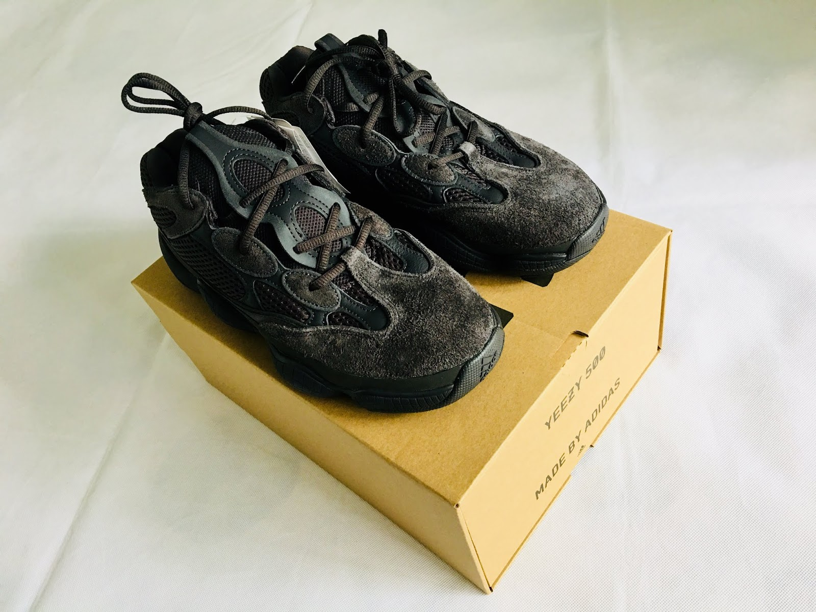 best website d9d2d bc137 Adidas Yeezy 500 Utility Black Sneakers