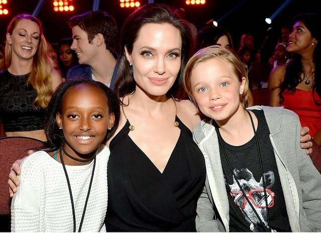 Angelina Jolie com Zahara e Shiloh no Kids Choice Awards