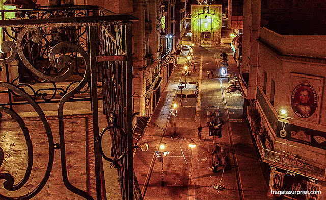 Montevidéu: Puerta de la Ciudadela vista da Calle Sarandí