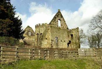 قصر وينجفيلد مانور Wingfield Manor فى إنجلترا