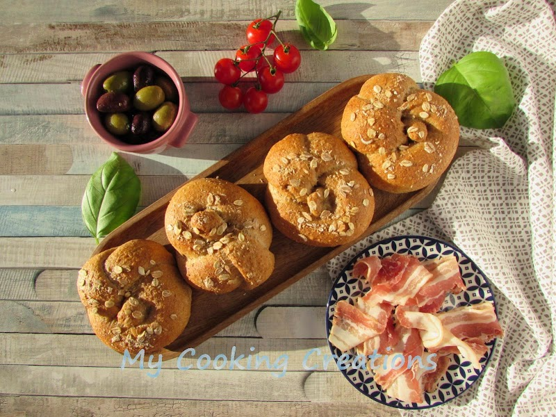 Вкусни пълнозърнести питки с овесени трици * Panini con crusca di avena e farina integrale