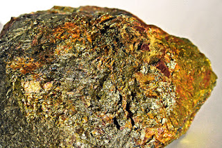 gold ore rock