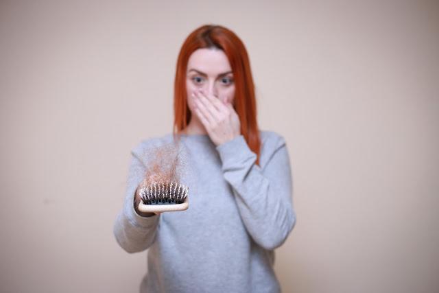 ماسكات طبيعية لمنع تساقط الشعر
