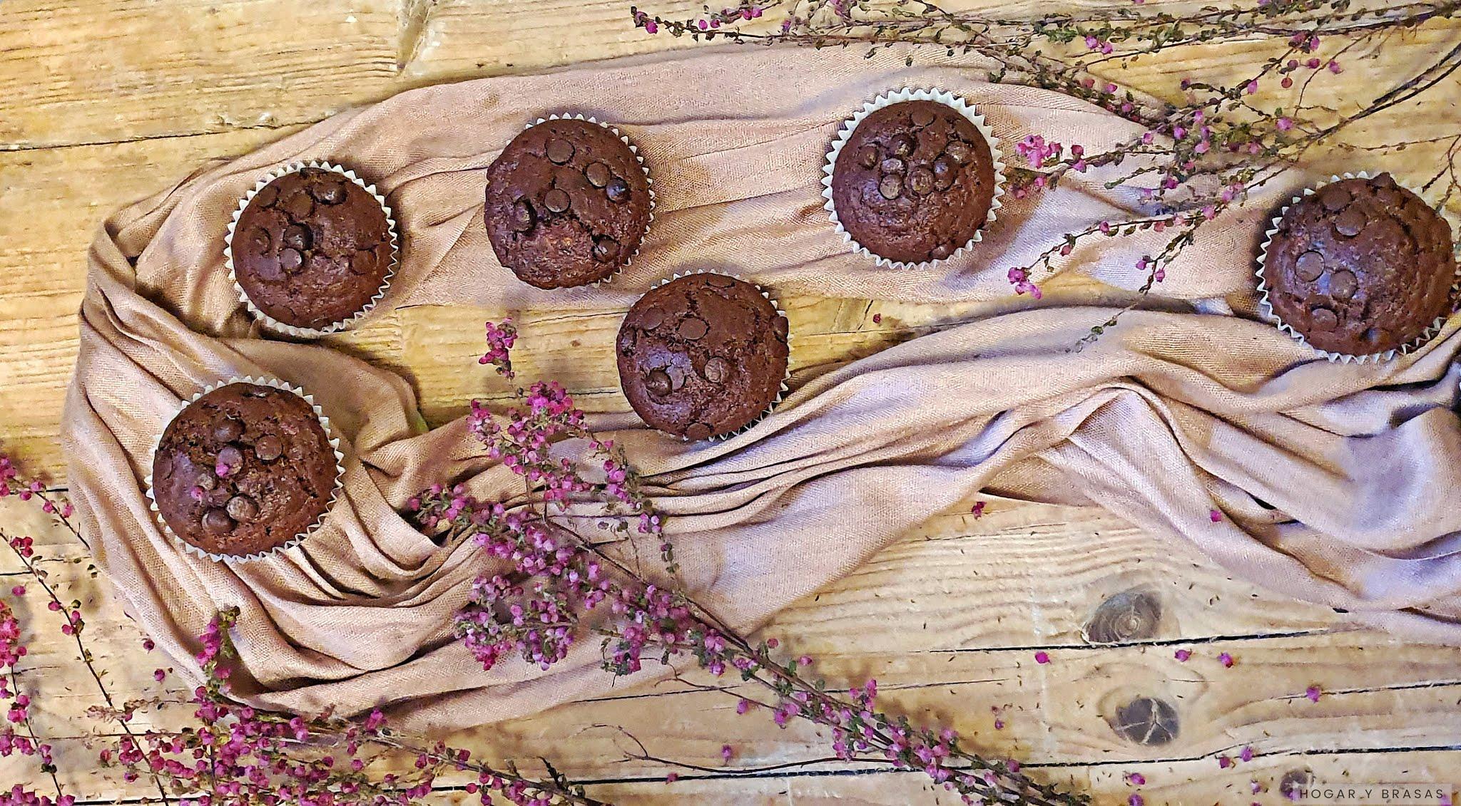 Muffins integrales de plátano y chocolate