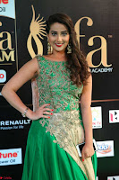 Manjusha in Beautiful Sleeveless Green Anarkali dress at IIFA Utsavam Awards 002.JPG