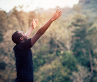 Pengertian Life Satisfaction, Aspek, Karakteristik, Faktor, Tolok Ukur, dan Teorinya