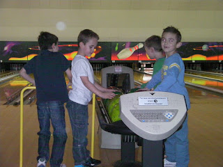 bowling alley birthday party for kids