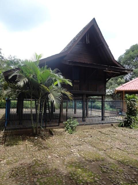 Saung Ranggon Cagar Budaya Kabupaten Bekasi