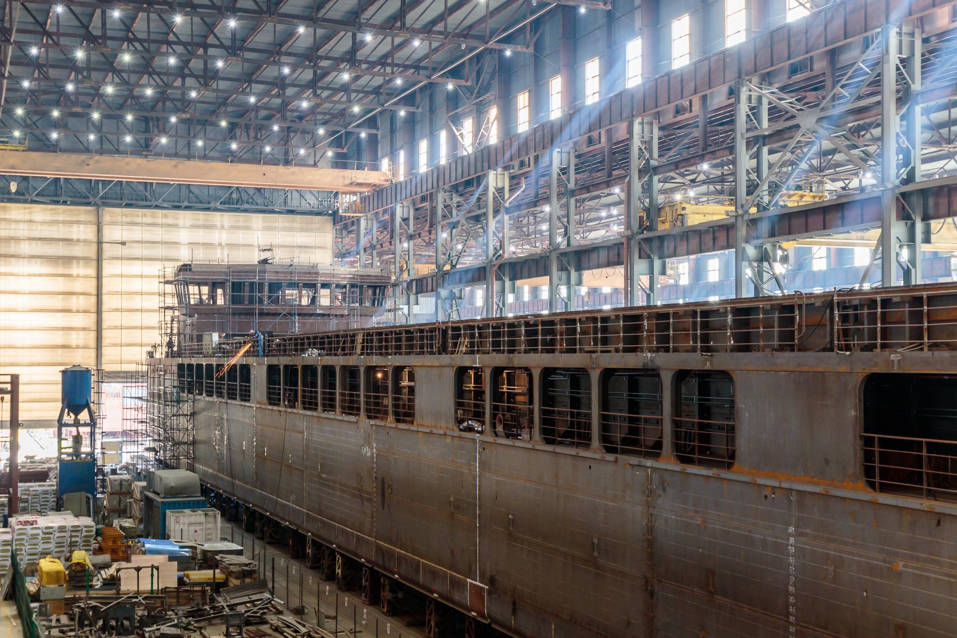 Сухогруз проекта RSD59 в эллинге Невского судостроительно-судоремонтного завода