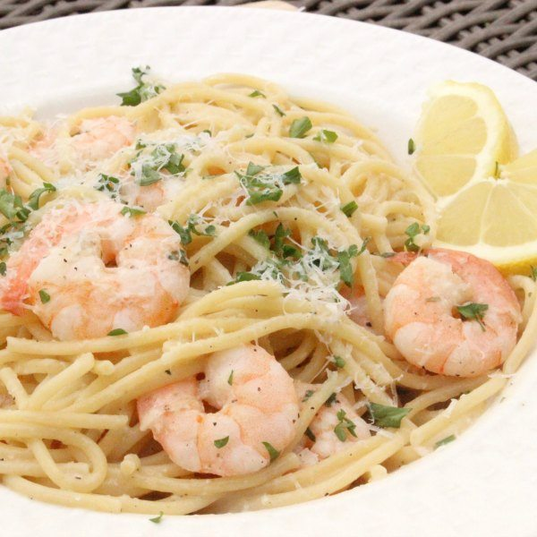 QUICK AND EASY LEMON GARLIC SHRIMP SCAMPI RECIPE #dinner #garlicshrimp #easy #lemon #food