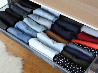 Cara Menata Baju di Lemari Agar Muat Banyak, Lihat Yuk!