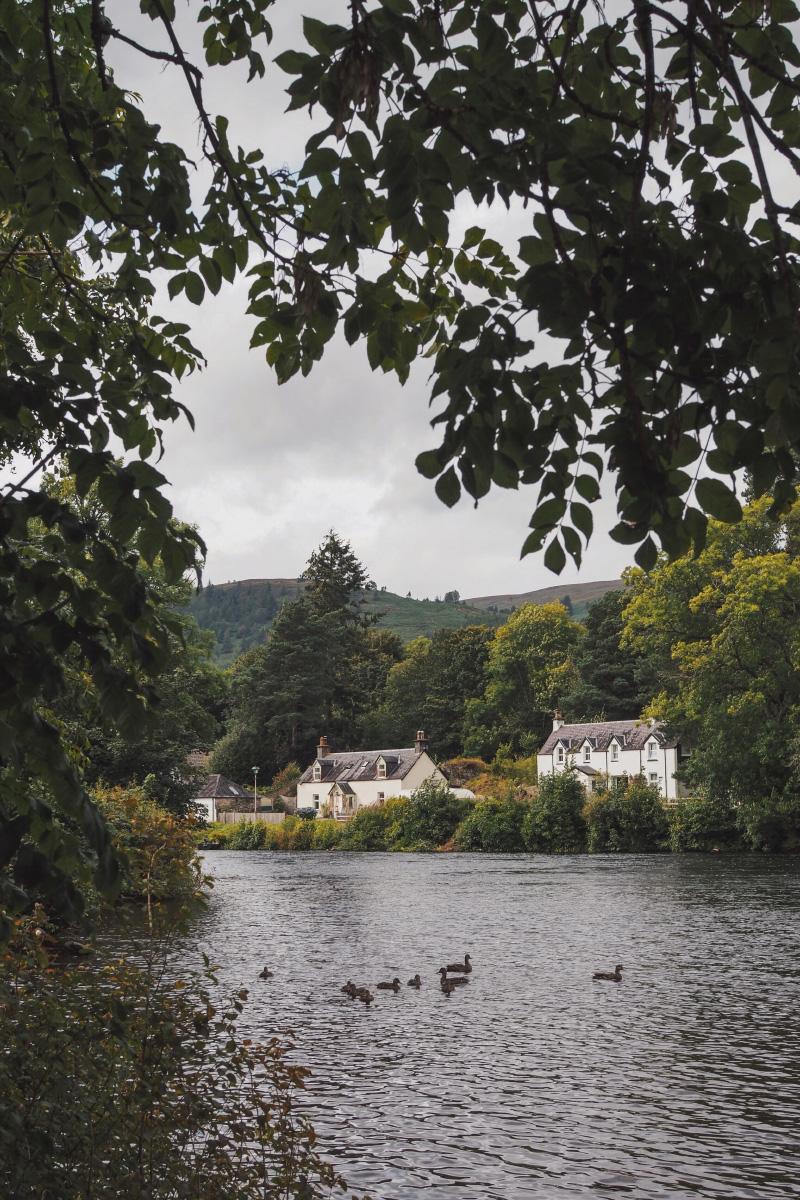 Promenade le long du Loch Ness en Ecosse