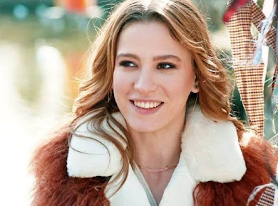 معلومات عن الممثلة التركية سيريناي ساريكايا Serenay Sarikaya