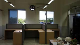 Meja Sekat Partisi Kantor Mudah Bongkar Pasang Sendiri