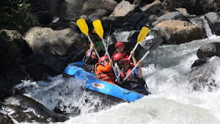 Descriptive Text - Pekalen White-Water Rafting Adventure