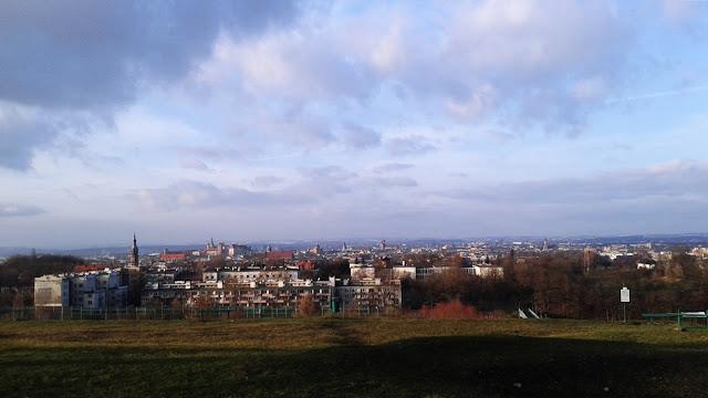 Panorama na Kraków spod Kopca Krakusa.