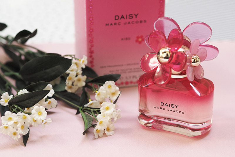 Marc Jacobs Daisy Kiss Perfume Review Fragrance Direct | Colours and Carousels - Scottish Lifestyle, Beauty and Fashion blog