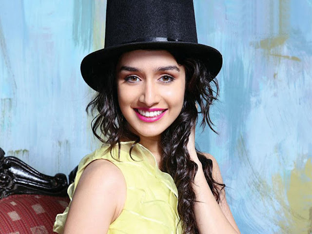 shraddha kapoor smiling photos