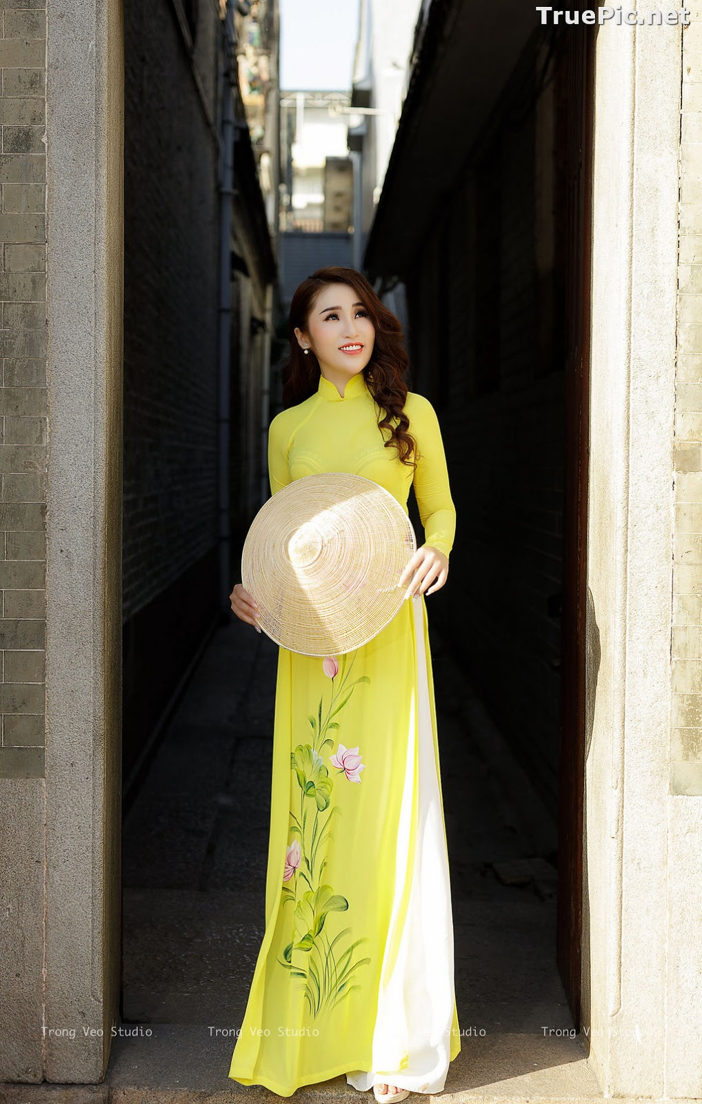 Image The Beauty of Vietnamese Girls with Traditional Dress (Ao Dai) #4 - TruePic.net - Picture-7