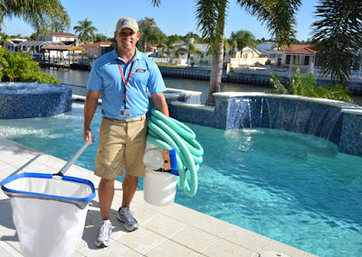 Професионално почистване на празни вкопани басейни