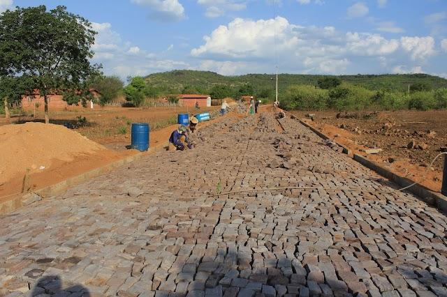 Prefeitura fará pavimentação nos povoados Itaúna e Canto da Serra