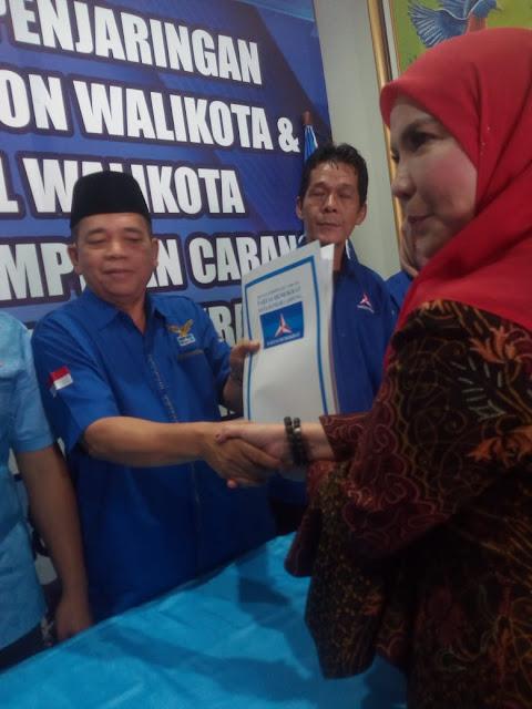 Partai Demokrat sendiri sudah seperti rumah sendiri bagi anggota dewan provinsi Lampung ini,karena sebelumnya dia pernah menjadi ketua DPC Partai Demokrat yang kebetulan saat itu sekertarisnya Pak Budiman.