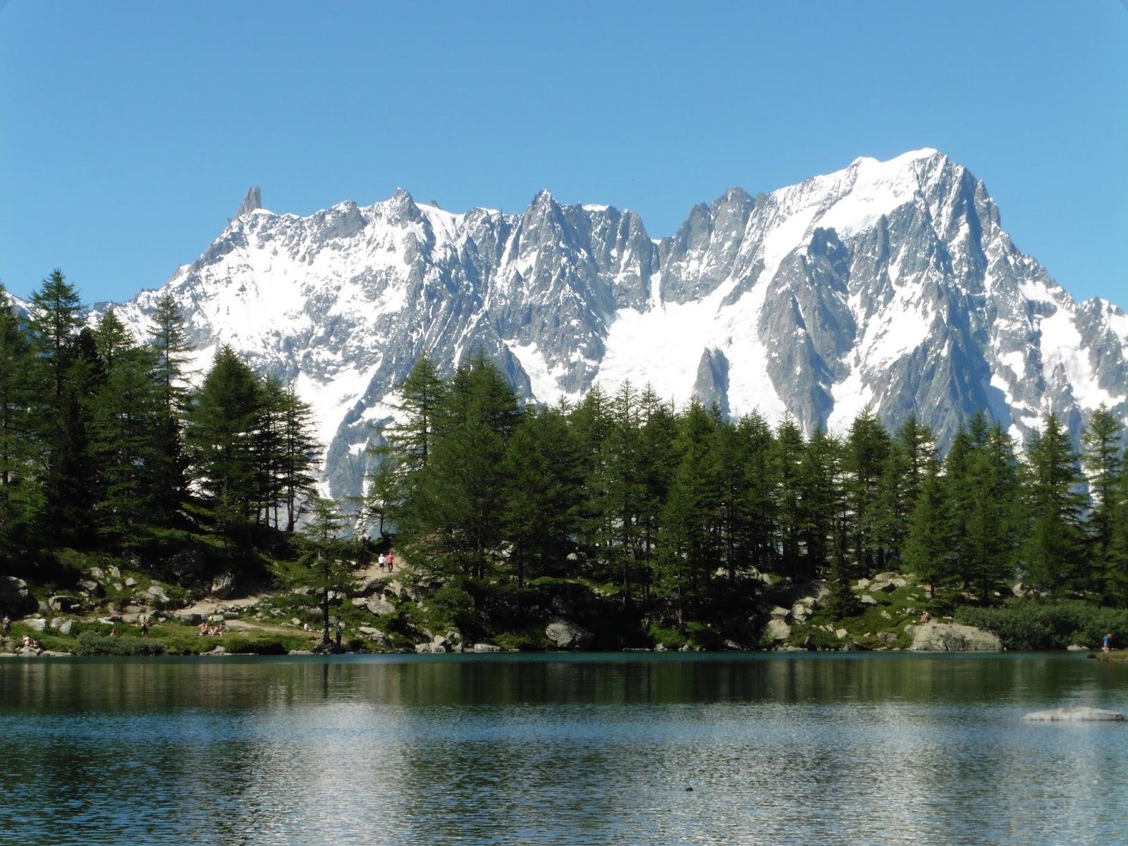 Grandes Jorasses e il Lago d Arpy. d572f5a2256