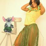 Andrea Rincon, Selena Spice Galeria 13: Hawaiana Camiseta Amarilla Foto 32