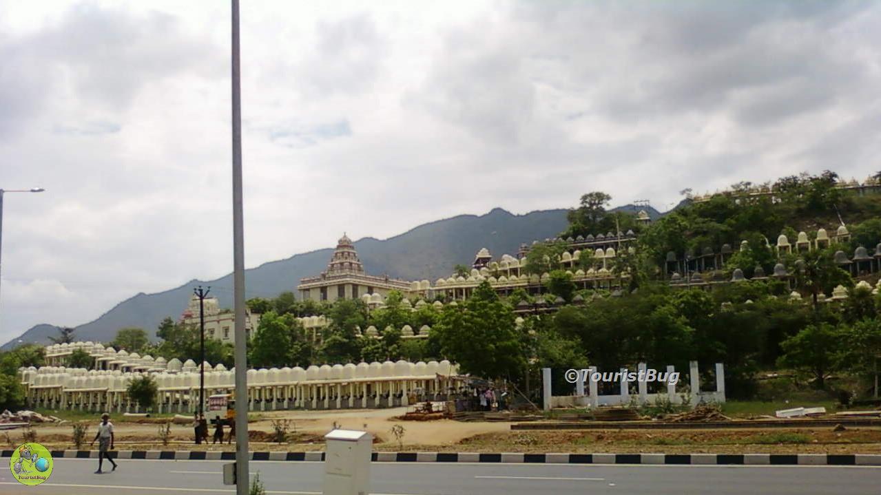 1008 Lingam Temple of Vinayaka Mission University