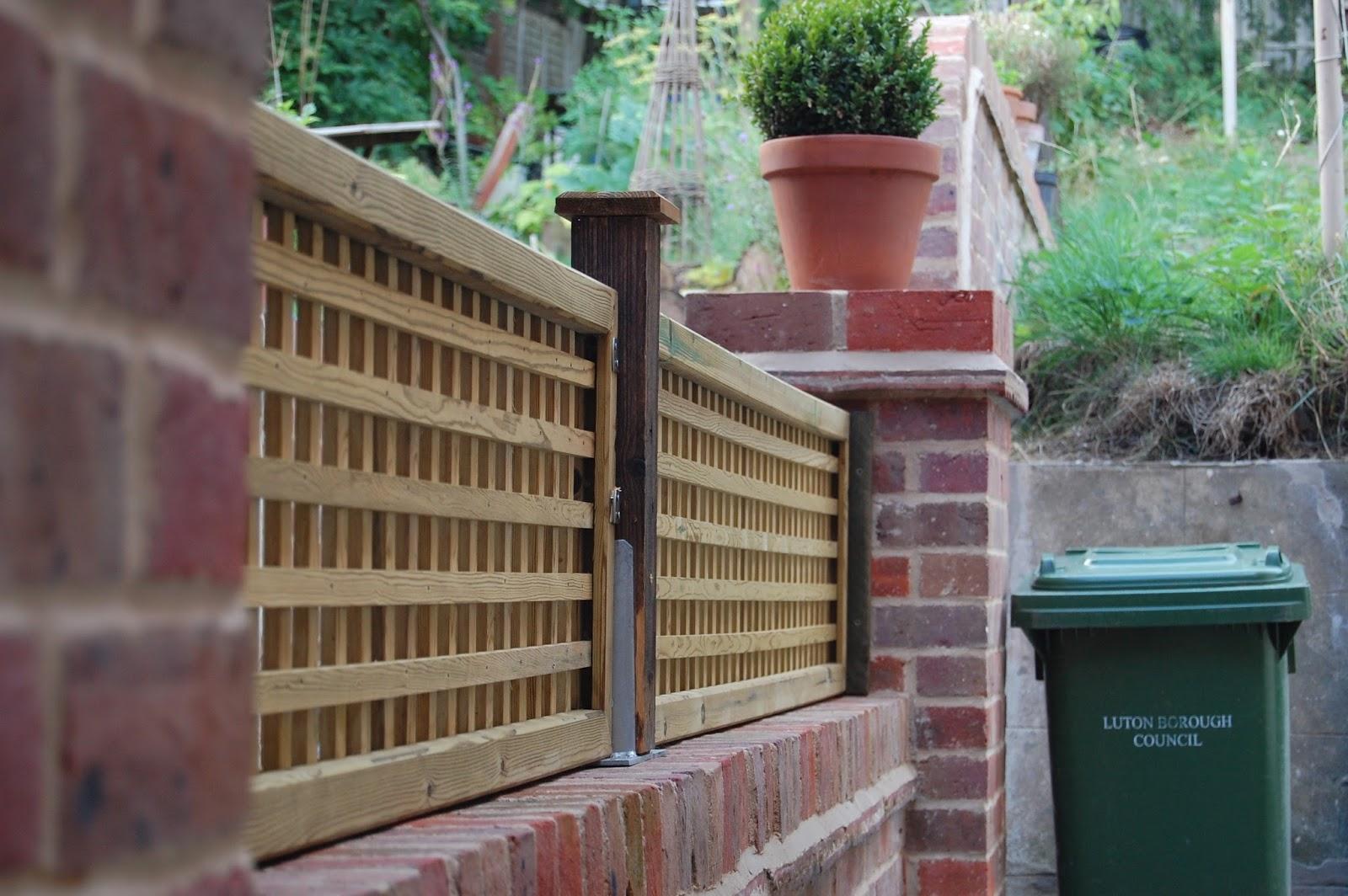 Lattice Trellis Fixed On Brick Wall How To Reset A