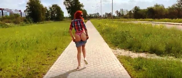 Девушка сосет и дрочит на улице, оральный секс - видео!