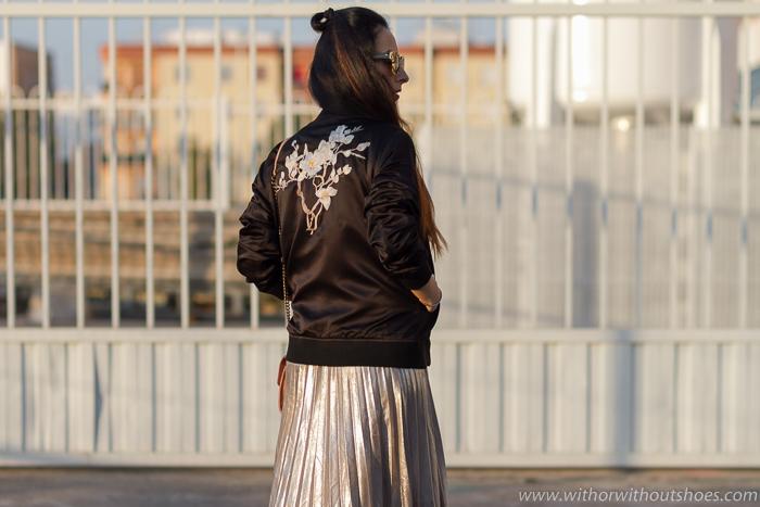 blogger moda valenciana como combinar falda midi y chaqueta bomber